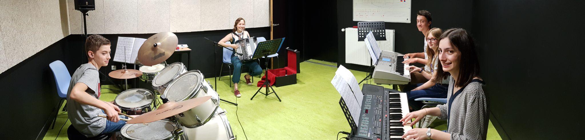 Cours accordéon, piano, clavier 85, 49, 79, 44